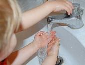 Händehygiene in der Kita. © RediSu / pixelio.de.